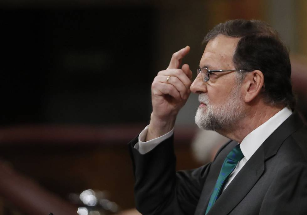 Spanish PM Mariano Rajoy addressing Congress