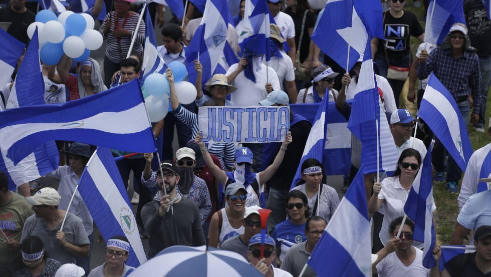 Intensos ataques de fuerzas del gobierno a poblados rebeldes de Nicaragua