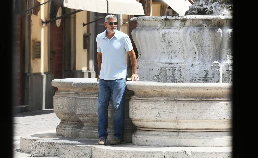 Regresa Clooney a filmar tras accidente en moto
