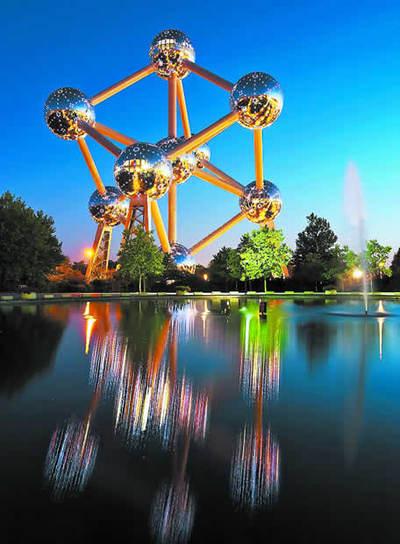 El Atomium de Bruselas, después de su renovación