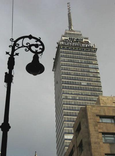 La Torre Latinoamericana, privilegiado mirador de Ciudad de México