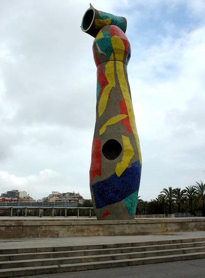 La famosa escultura se encuentra en el parque barcelonés Joan Miró