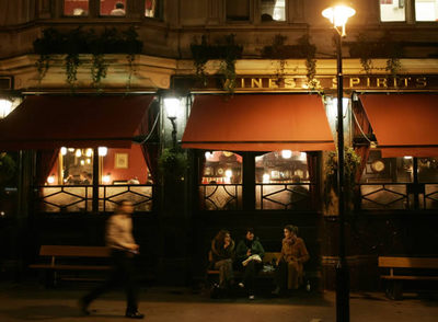Exterior de un pub de Westminster, en Londres
