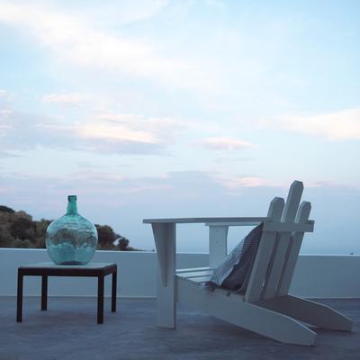 Terraza del hotel Kamaroti Suites, en la isla griega de Sifnos.
