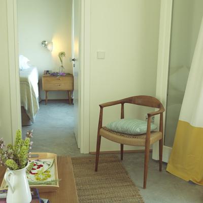 Habitación del hotel Kamaroti Suites, en Sifnos (Grecia).