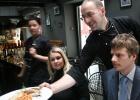 El bar de vino democrático de Riga