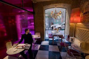 Cafetería del hotel Abalú, en Madrid.