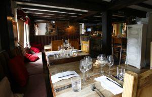 Comedor del 'pub' The Hand & Flowers, en Marlow (Inglaterra).