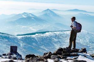 Un montañero en la cumbre del monte Abantos (1.753 metros).