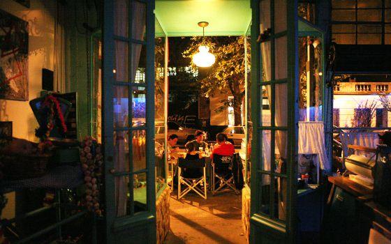 Terraza de un restaurante en el barrio de Palermo, en Buenos Aires.