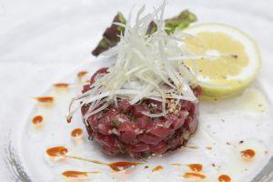 Tartar de atún rojo de almadraba al estilo asiático.