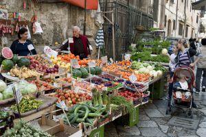 Mercado de Ballaro, en Palermo (Sicilia).