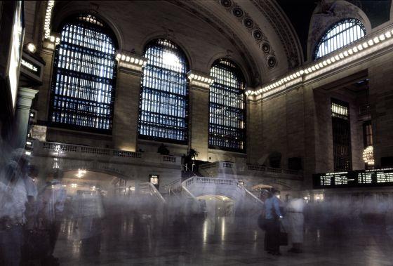 Grand Central cumple 100