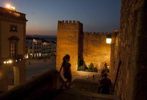 Vista de la plaza Mayor desde la parte alta del casco antiguo de Cáceres.