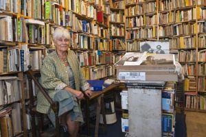 Catherine Domain, propietaria de la librería Ulysses, en París.