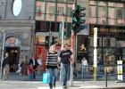 El negocio del hombrecillo de los semáforos