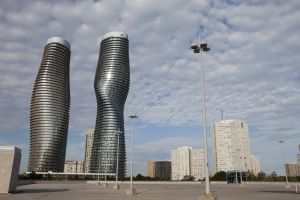 Absolute Towers, en Mississauga (Canadá), dos torres proyectadas por MAD Architects.
