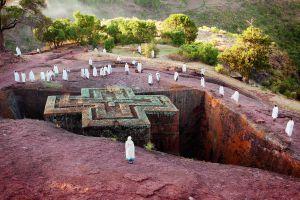 Una de las famosas iglesias excavadas en la roca en Lalibela, al norte de Etiopía.