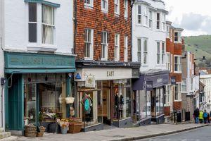 La calle principal de Lewes, en Inglaterra.