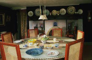 Comedor de Charleston, casa donde vivió la hermana de Virginia Woolf.