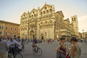 Catedral de San Jorge, en el centro histórico de Ferrara (Italia).