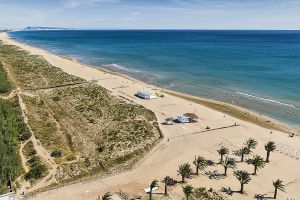 The beach of L'Ahuir, in Gandia.