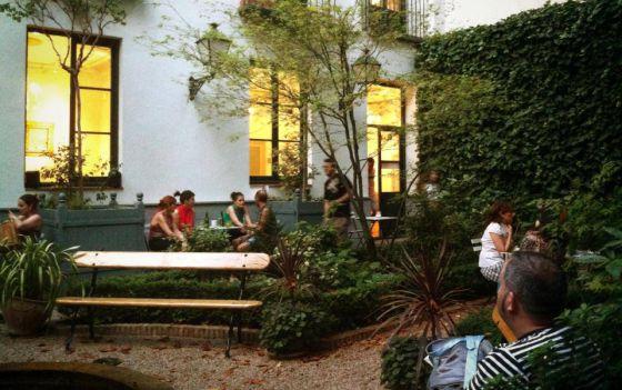 Cuatro terrazas con arte en madrid el viajero el pa s for Cafe el jardin madrid