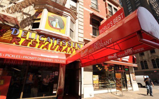 Restaurante Carnegie Deli, en Nueva York
