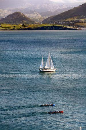 Regatas en la bahía de Santander (Cantabria).