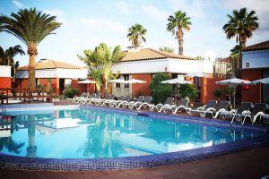 Hoteles siete alojamientos nudistas en espa a el for Piscinas nudistas en madrid