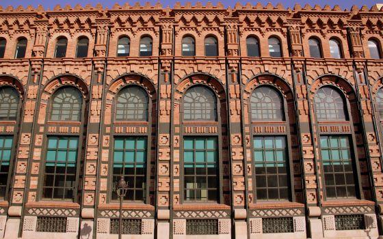 Diez edificios de ladrillo únicos en Barcelona