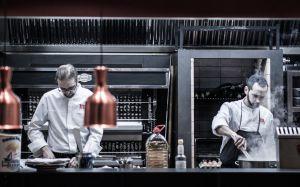 Cocina del restaurante Aire, en Madrid.
