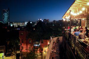 Vistas desde la Azotea Matilde, en Santiago de Chile.