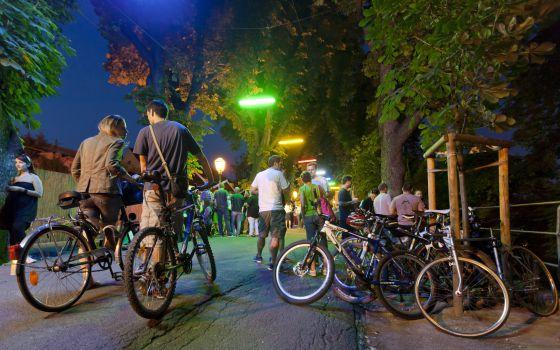 Ciclistas en el paseo Strossmayer, en Zagreb