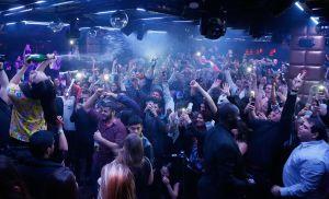 Actuación de Steve Aoki en la discoteca Lavo de Nueva York.