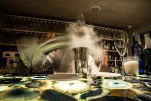 Coctelería en el restaurante El Cielo, en Bogotá.