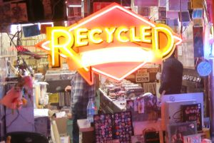 Escaparate de Recycled Records, en Haight Street, San Francisco.