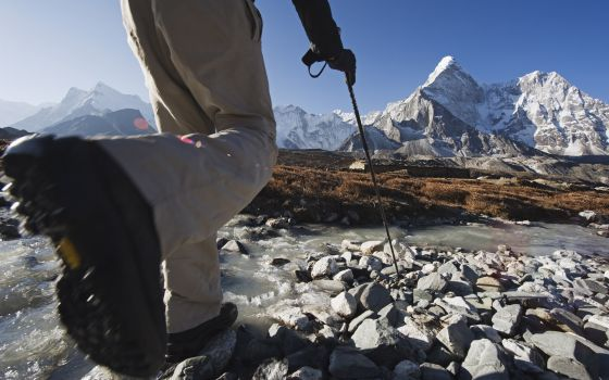 Trekking al cambo base del Everest, en el Himalaya, Nepal