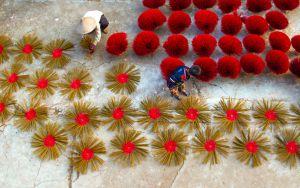 Fábrica de palillos de incienso en Na Dinh.