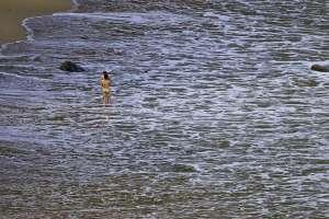 Nudistas en la playa de Barrika (Bizkaia).