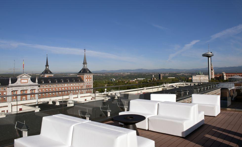 Fotos las 25 mejores terrazas de madrid el viajero el for Piscina ciudad universitaria