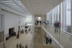 Interior del Art Institute of Chicago, proyectado por Renzo Piano.