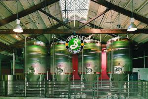 Tanques de la fábrica de cerveza Brooklyn Brewery, en Williamsburg.
