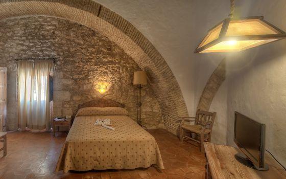 Una de las habitaciones de la Hospedería del convento de San Francisco, en Vejer de la Frontera (Cádiz).