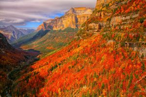Fall perspectives in Ordesa valley, in Huesca.