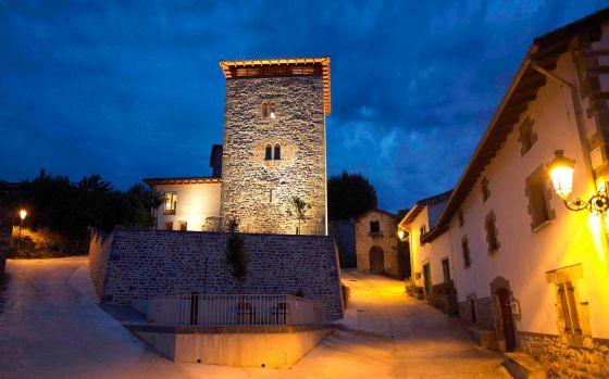Exterior del hotel Torre de Uriz, en Navarra.