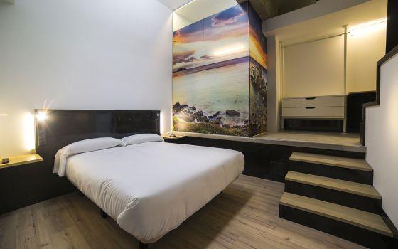 Una de las habitaciones del hotel Zerupe, en Zarautz (Gipuzkoa).