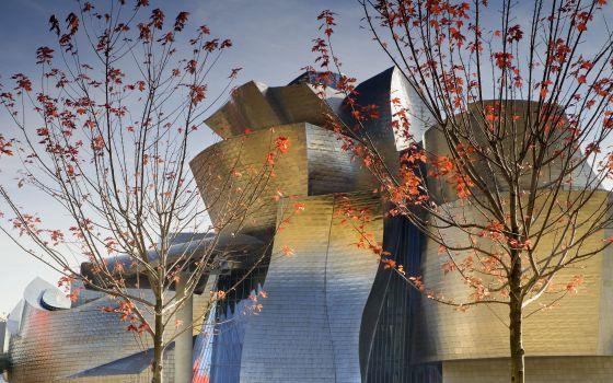 Vista del museo Guggenheim de Bilbao, proyectado por Norman Foster.
