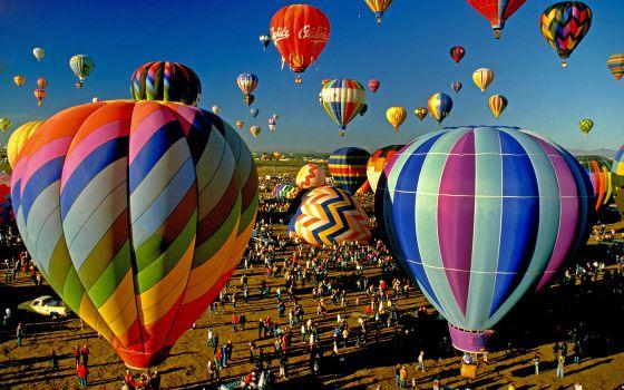Festival de globos aerostáticos en Francia.