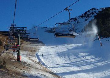 ¿Es la nieve artificial igual de buena para esquiar que la natural?